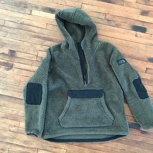 North Face Sweatshirt/Pullover